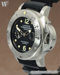 Panerai Luminor Submersible Taucheruhr